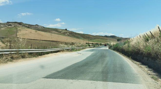 SP21 Agira: imminente l'avvio dei lavori sul tratto dissestato, dal Km 4+050 al Km 5+000.